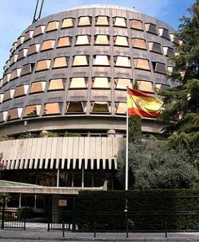 """El TC, amb aquest aspecte de fortí, renovarà en breu magistrats. Es preveu majoria conservadora. D'aquí a uns anys la gent de l'Estat català direm """"gràcies TC"""""""