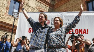 El tàndem Colau-Iglesias, venedors de fum anti-procés
