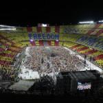 Els polítics 'intenten' estar a l'alçada del concert