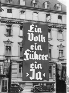 """""""Un poble, un líder, un 'Sí'"""", un dels esl``ogans nazis per les eleccions de novembre de 1933"""