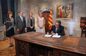 Mas ha aconseguit deixar enrere en importància la signatura del 9N. Queden 55 dies per decidir què en fem de Catalunya